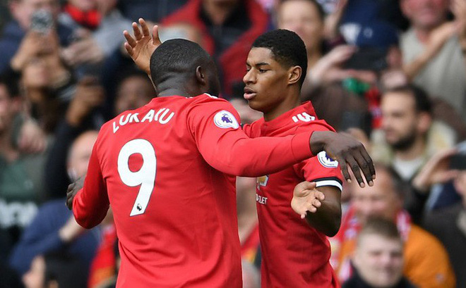 """Pogba """"biến mất"""", Eric Bailly phản lưới nhà, Man United vẫn """"làm gỏi"""" Liverpool gọn ơ"""