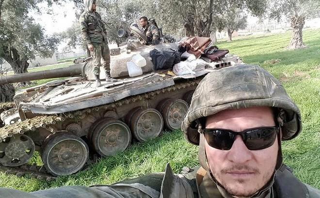"""""""Hổ Syria"""" xung trận chiếm thị trấn chiến lược ở Đông Ghouta sau hai ngày giao chiến sinh tử"""
