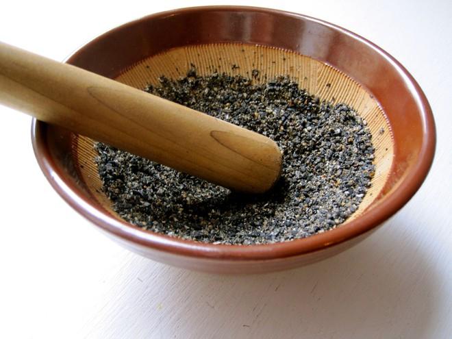 Chuyên gia dinh dưỡng: Ăn thêm 8 loại thực phẩm màu đen hàng ngày còn tốt hơn nhân sâm - Ảnh 3.
