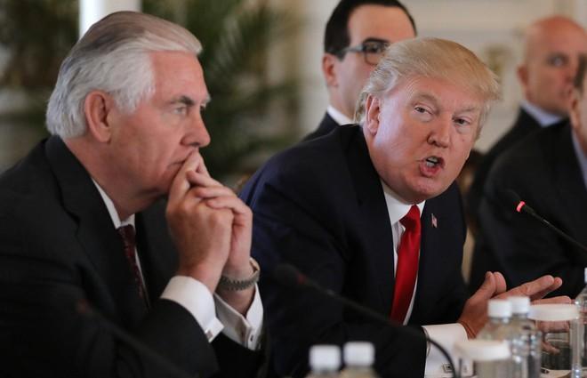 2 ông Donald Trump, Kim Jong-un xé rào ngoại giao, chấp nhận rủi ro mưu đại sự - Ảnh 1.