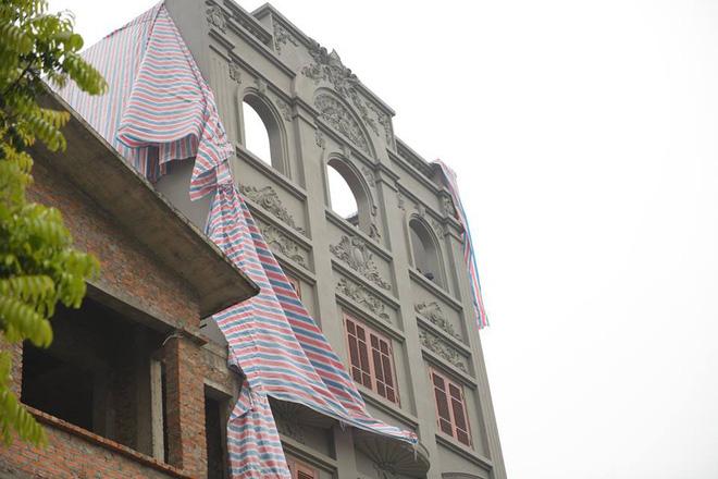Mặt trước căn nhà của nguyên cục trưởng c50 thiếu tướng Nguyễn Thanh Hóa.