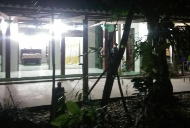 Vụ con trai giết mẹ ở Huế: Hung thủ không cho cha mẹ bật điện vào ban đêm  - Ảnh 1.