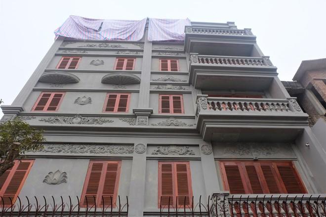 Nhìn gần biệt thự của gia đình ông Nguyễn Thanh Hóa đang bị tháo dỡ tầng trái phép - Ảnh 8.