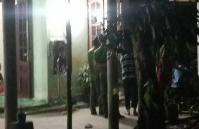 Vụ con trai giết mẹ ở Huế: Hung thủ không cho cha mẹ bật điện vào ban đêm  - Ảnh 2.