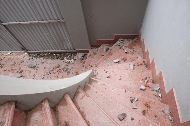 Nhìn gần biệt thự của gia đình ông Nguyễn Thanh Hóa đang bị tháo dỡ tầng trái phép - Ảnh 5.