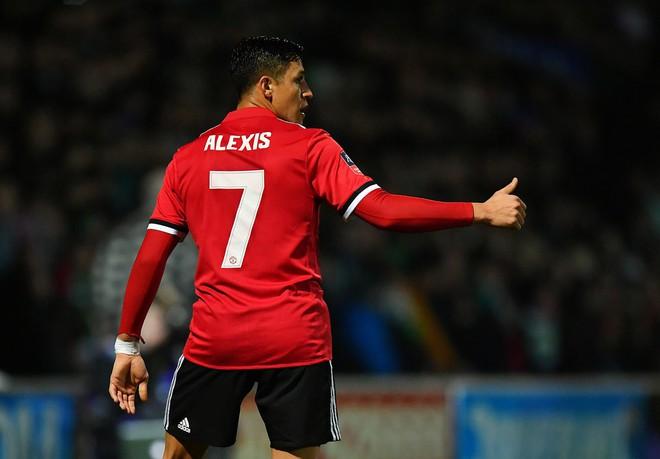 Đã đến lúc đền ơn Mourinho rồi đấy, Alexis Sanchez! - Ảnh 4.
