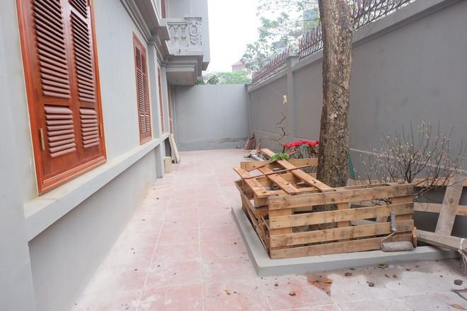 Nhìn gần biệt thự của gia đình ông Nguyễn Thanh Hóa đang bị tháo dỡ tầng trái phép - Ảnh 9.