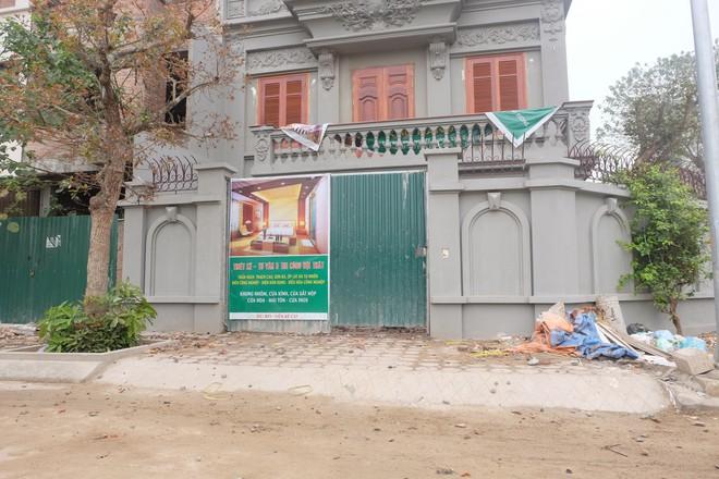 Nhìn gần biệt thự của gia đình ông Nguyễn Thanh Hóa đang bị tháo dỡ tầng trái phép - Ảnh 3.