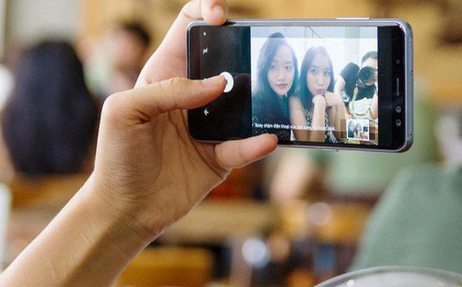 """Trở thành """"bậc thầy selfie"""" không khó, vài bí kíp sau sẽ giúp bạn chụp ảnh """"nghệ"""" nhất"""