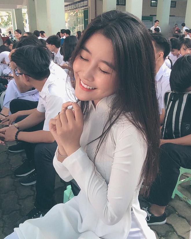 Nữ sinh Sài Gòn lên báo Hàn: Nổi tiếng nên bị săm soi, đặt điều chuyện không hay - Ảnh 5.