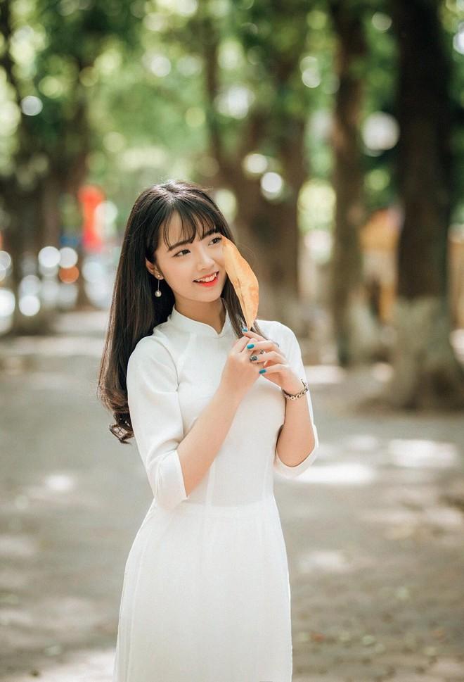 Một bức ảnh áo dài và lời giới thiệu khác biệt, cô gái nhận nhiều cảm tình từ dân mạng - Ảnh 1.
