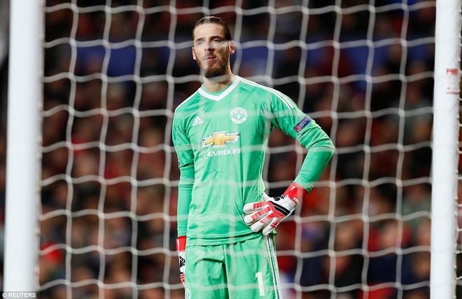 Thua tủi hổ, Man United xứng đáng cúi gằm mặt rời Champions League - Ảnh 21.
