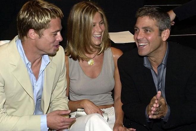 Brad Pitt được bạn thân vun vén nối lại tình xưa với Jennifer Aniston? - Ảnh 2.
