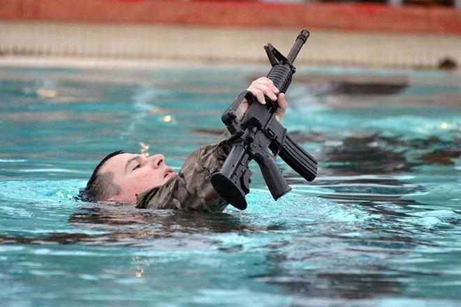 Ảnh: Lính Mỹ huấn luyện sử dụng đa dạng nhiều loại súng - ảnh 3