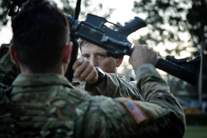 Ảnh: Lính Mỹ huấn luyện sử dụng đa dạng nhiều loại súng - ảnh 5