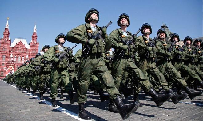 Sức mạnh quân sự Nga từ Yeltsin đến Putin: Trỗi dậy từ đống tro tàn - Ảnh 5.