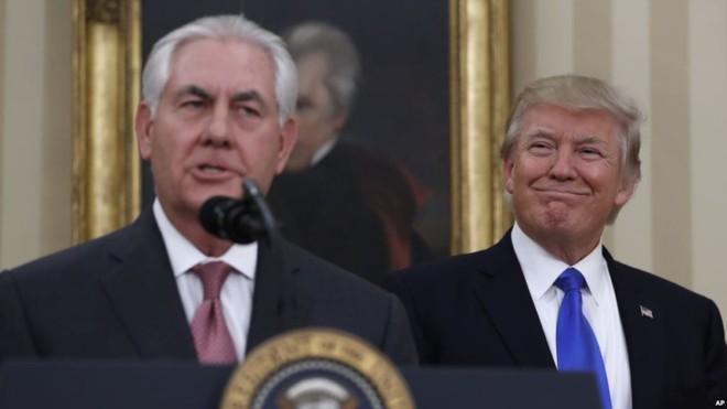 WSJ: Tổng thống Trump ép ông Tillerson ăn salad ôi vì sợ quan chức Trung Quốc mếch lòng - Ảnh 1.