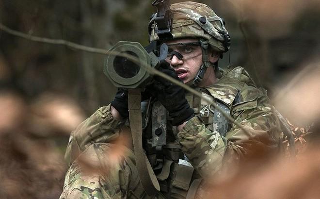 Ảnh: Lính Mỹ huấn luyện sử dụng đa dạng nhiều loại súng