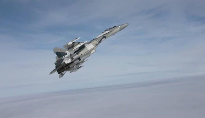 Máy bay Nga kết hợp KQ Syria oanh tạc Đông Ghouta: Giáng đòn sấm sét chưa từng thấy! - Ảnh 1.
