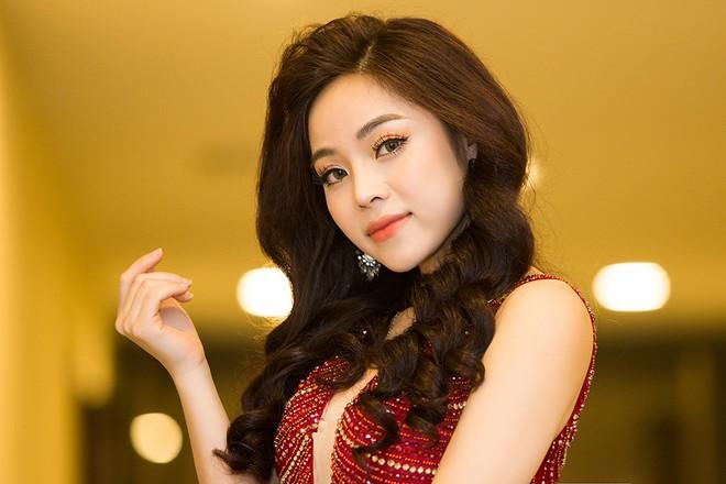 Mai Diệu Ly lo lắng khi hát hit của Mỹ Linh - Ảnh 1.