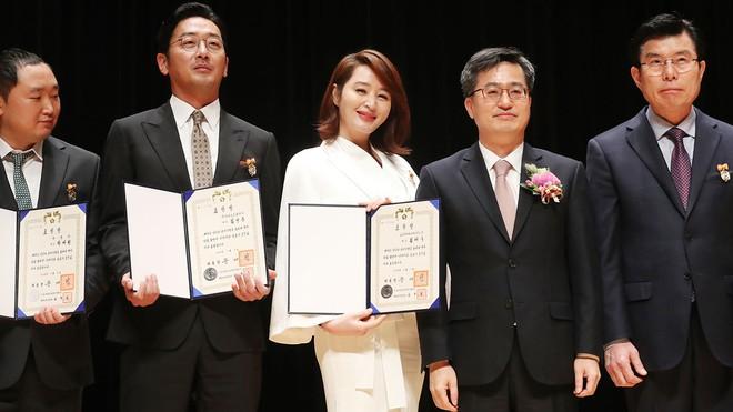 7 mỹ nhân hoàn hảo của làng phim Hàn: Cả diễn xuất, thần thái, sắc vóc đều miễn chê! - Ảnh 15.