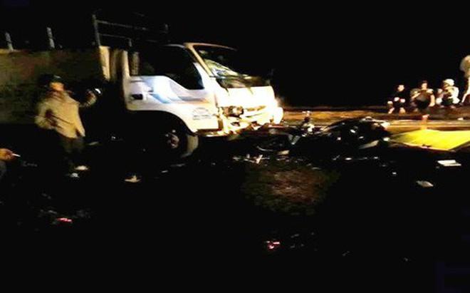 Đắk Lắk: Xe máy đấu đầu xe tải, 2 bác sĩ thương vong 1
