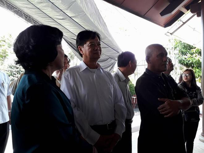 Nguyên Thủ tướng Nguyễn Tấn Dũng đến viếng thủ tướng Phan Văn Khải.