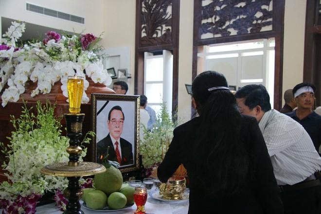 Người dân đến thăm viếng thủ tướng Phan Văn Khải.
