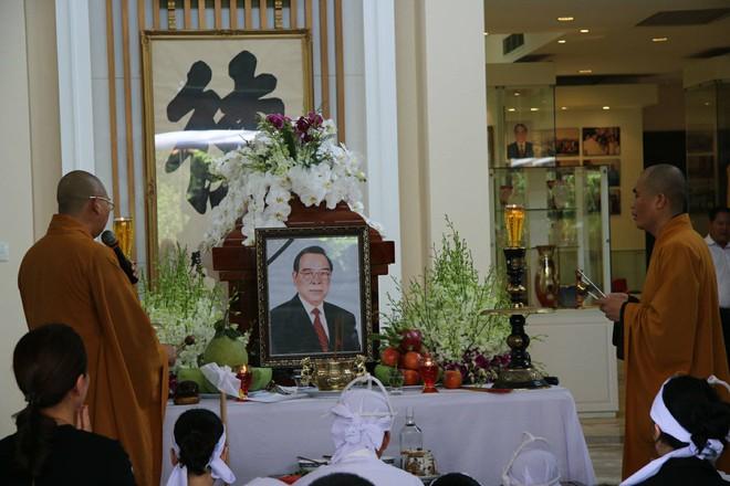 Hình ảnh đám tang nguyên thủ tướng Phan Văn Khải.