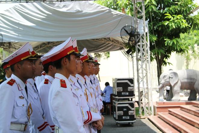 Hình ảnh lễ tang thủ tướng Phan Văn Khải.