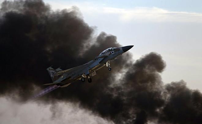 Báo Nga nêu giả thuyết chấn động: Chính Israel đã bắn hạ tiêm kích F-16 của mình? - Ảnh 1.
