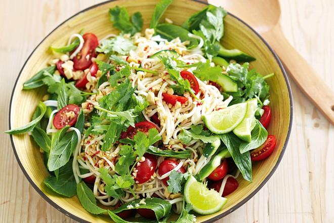 Giải pháp để ăn cơm thoải mái không bị tăng cân: Áp dụng được bạn sẽ có vóc dáng lý tưởng - Ảnh 4.