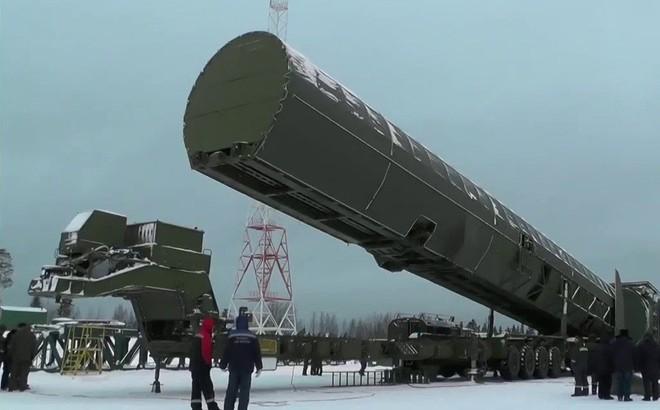 Mục kích nhà máy chế tạo tên lửa có thể hủy diệt nhiều thành phố cùng lúc của Nga