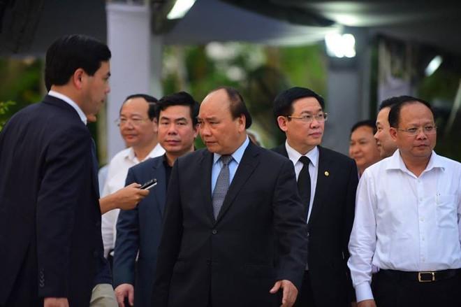 Thủ tướng Nguyễn Xuân Phúc đến nhà riêng nguyên Thủ tướng Phan Văn Khải - Ảnh 3.