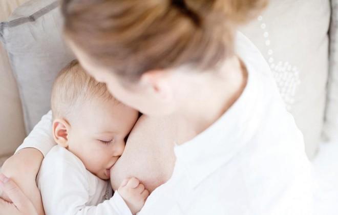 Chuyên gia Vũ Thế Thành: Sữa mẹ tốt nhất cho em bé, sữa bò tốt nhất cho... con bê! - Ảnh 2.