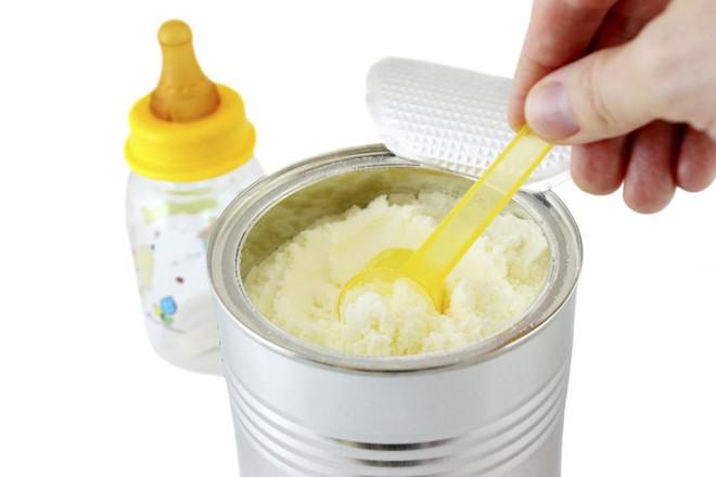 Chuyên gia Vũ Thế Thành: Sữa mẹ tốt nhất cho em bé, sữa bò tốt nhất cho... con bê! - Ảnh 3.