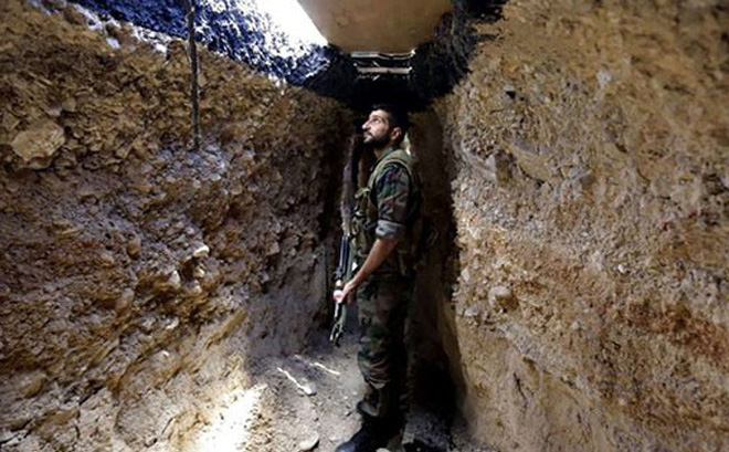 """""""Địa ngục"""" Đông Ghouta: Quân đội Syria đoạt được """"bảo bối"""" của phiến quân"""