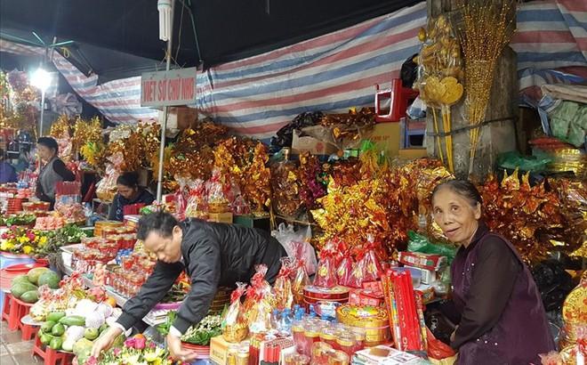 Thị trường Rằm tháng Giêng ế ẩm bất thường