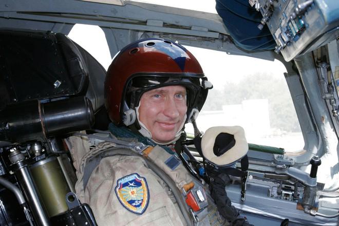 Vladimir Putin: Những khoảnh khắc cô đơn của