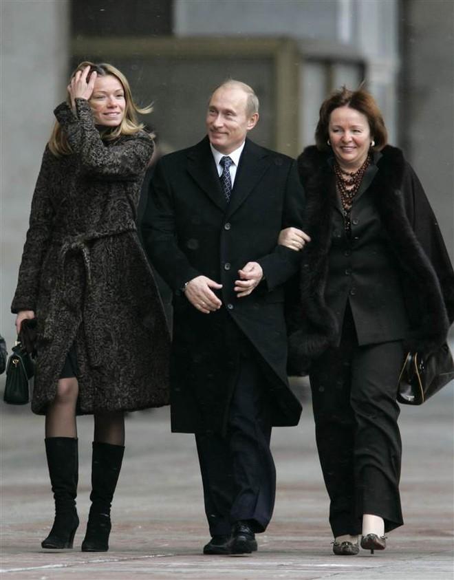 Vladimir Putin: Những khoảnh khắc cô đơn của người đàn ông thép - Ảnh 12.