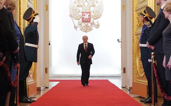 Ai là người được Tổng thống Nga Putin chọn kế nhiệm?