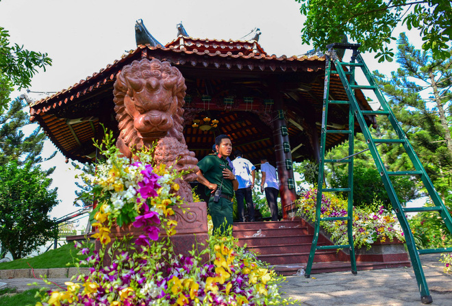Cận cảnh nơi yên nghỉ của cố Thủ tướng Phan Văn Khải bên cạnh mộ phần người vợ - Ảnh 12.