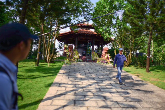 Cận cảnh nơi yên nghỉ của cố Thủ tướng Phan Văn Khải bên cạnh mộ phần người vợ - Ảnh 9.