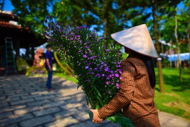 Cận cảnh nơi yên nghỉ của cố Thủ tướng Phan Văn Khải bên cạnh mộ phần người vợ - Ảnh 10.