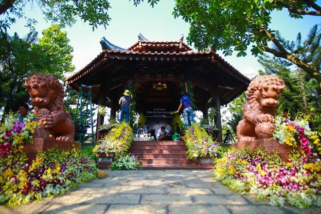 Cận cảnh nơi yên nghỉ của cố Thủ tướng Phan Văn Khải bên cạnh mộ phần người vợ - Ảnh 3.