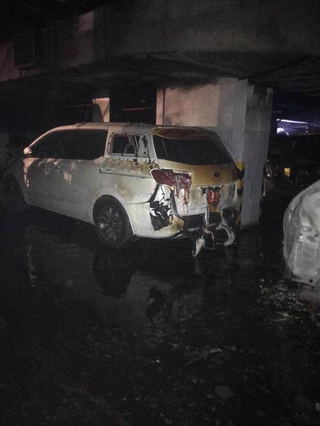 Hiện trường vụ cháy chung cư cao cấp khiến 13 người tử vong, 14 bị thương ở Sài Gòn - Ảnh 10.
