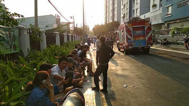Hiện trường vụ cháy chung cư cao cấp khiến 13 người tử vong, 14 bị thương ở Sài Gòn - Ảnh 15.