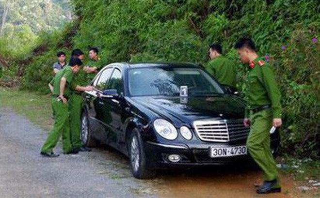 Dấu hiệu bất thường vụ 3 người chết trong xe Mercedes