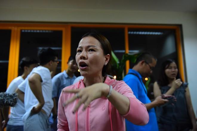 Vụ hỏa hoạn 13 người chết: Chủ đầu tư huỷ bỏ đối thoại, hàng chục cư dân Carina tập trung phản đối 2