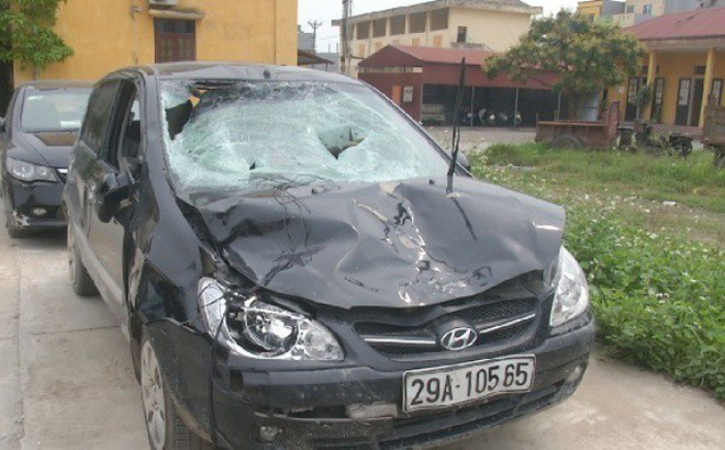Xe của Chủ tịch xã đâm 4 học sinh đi bộ, lái xe bỏ trốn: 'Xe cho cháu mượn' 1